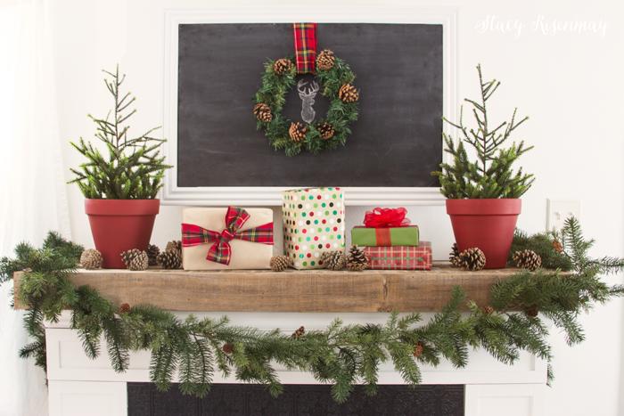 Christmas-fireplace-mantel