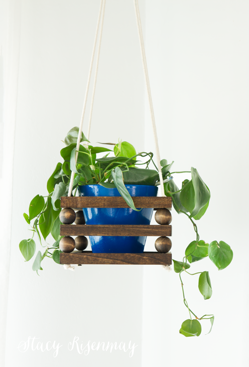 hanging-wood-bead-planter