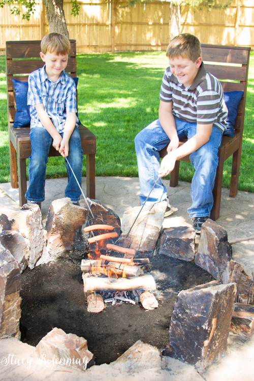 outdoor chairs around firepit