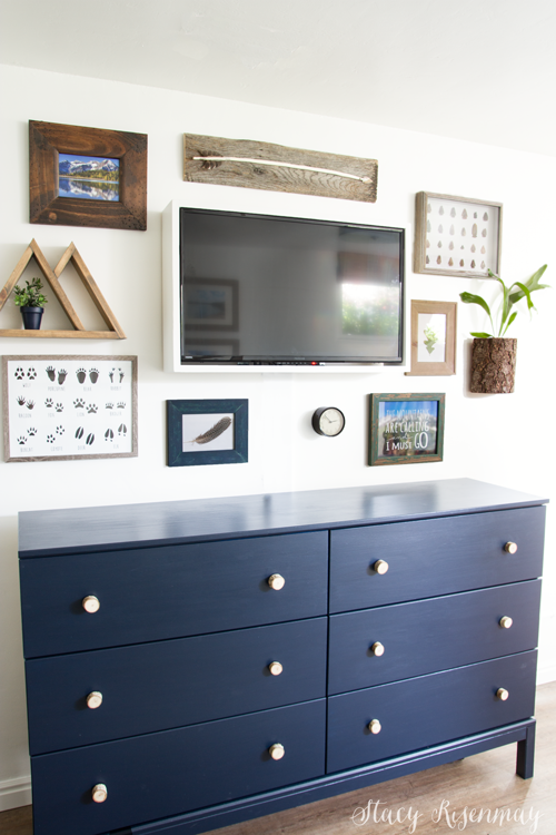 TV gallery Wall for boys room